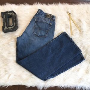 ❤️Lucky Brand faded 181 jeans❤️33x32